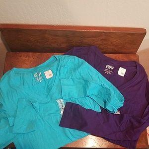 NWT Active Basic V Neck T Shirts Size M
